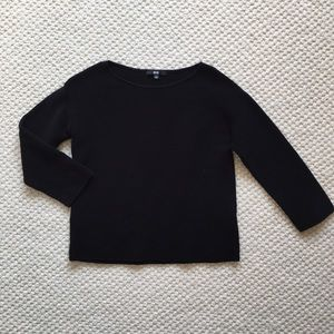 Uniqlo black boxy top with 3/4 sleeves